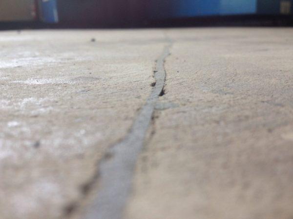 Дефект бетонного пола