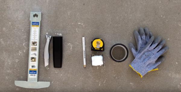 Для работы с пластиковым ламинатом набор инструментов минимален