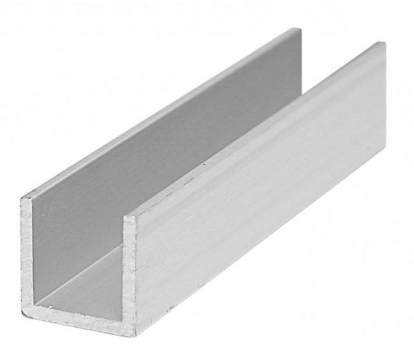 Наилучшим вариантом для сухой стяжки пола является металлический профиль в форме буквы П (П-образный). Высота стенок должна быть от 27 мм. Такой профиль укладывают и фиксируется острыми концами вверх