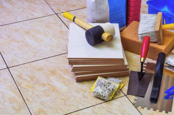 Набор инструментов для работы с плиткой
