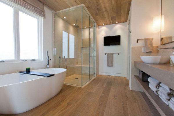 Натуральная древесина в ванной. Вариант 2
