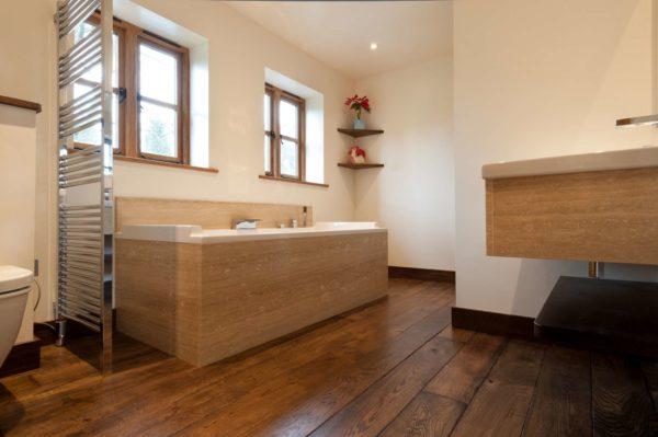 Натуральная древесина в ванной. Вариант 4