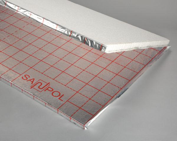 Пенополистирольная плита с размеченным фольгированным слоем