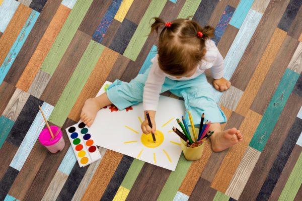 Цветной пробковый пол в детской – стильное и практичное покрытие