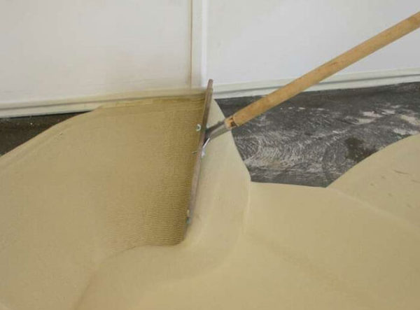 Можно ли наливной пол заливать в два слоя