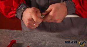 Закручивание накидной гайки