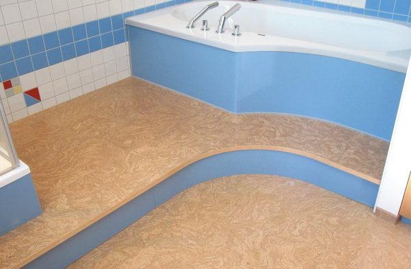 После пропитки пробка прекрасно прослужит и в ванной комнате