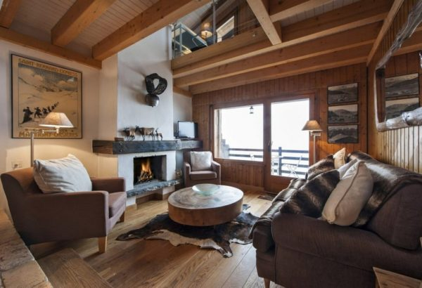 Небольшой дачный домик с сезонным проживанием