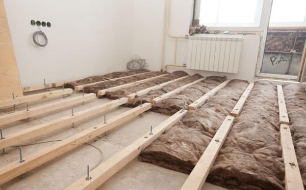 Регулируемые лаги для укладки деревянного пола по бетонному основанию