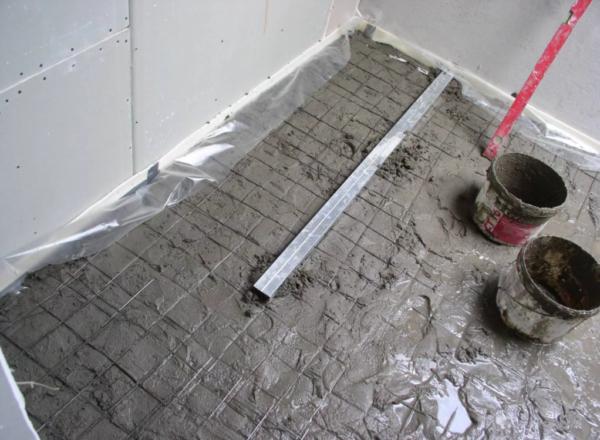 «Мокрая» стяжка, армированная металлической сеткой с ячейками 10 х 10 см
