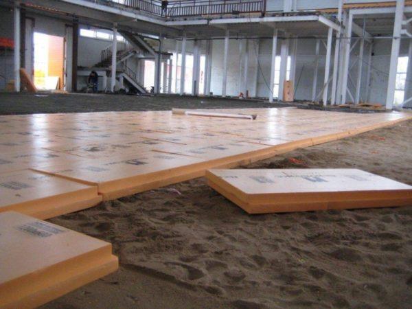 Укладка пеноплекса по песчаному основанию