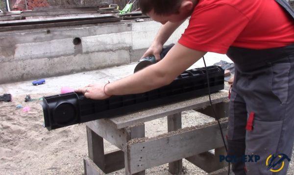 Удаление вертикальных ребер жесткости с уличного лотка