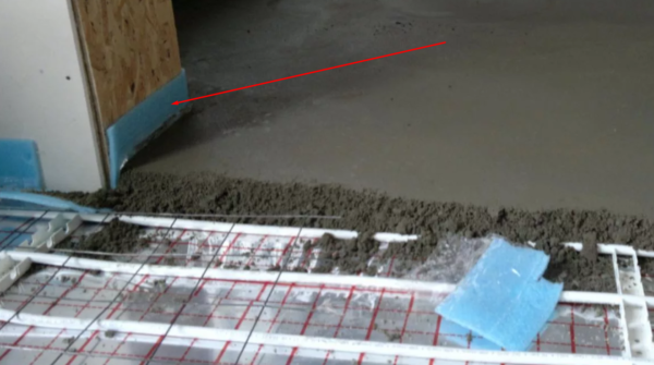 Применение демпферной ленты при устройстве стяжки в системе «теплый пол»