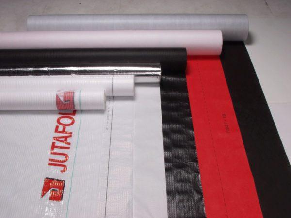 На поверхности полотна разные производители оставляют специальную разметку или маркировку