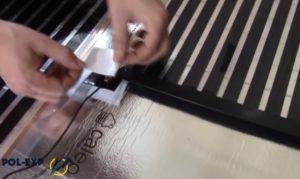 Изоляция контакта специальными битумными накладками (идут в комплекте)