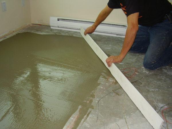 Выравнивание бетонного основания