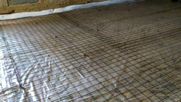 Армирование стяжки сеткой