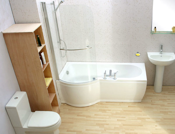Многие довольно скептически относятся к использованию линолеума в ванной комнате, и на то есть весомые аргументы