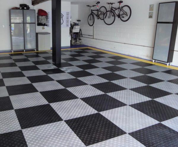 Модульная плитка. Позволяет создавать узоры на полу