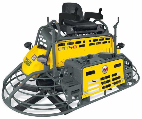 Самоходный агрегат, управляемый оператором, предназначен для работы на больших площадях