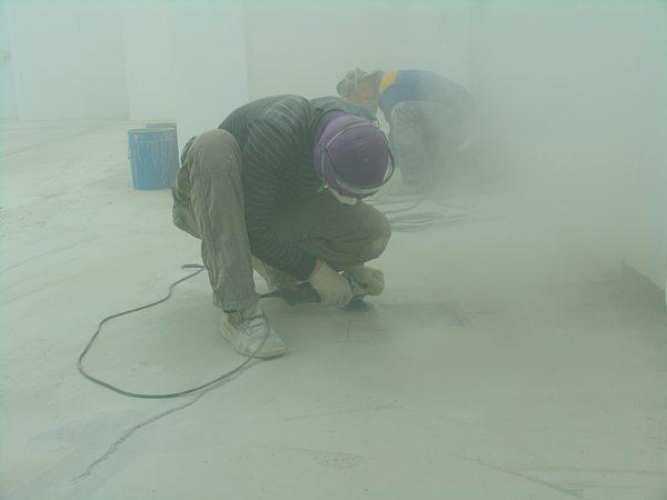 Сухая шлифовка чревата большим пылеобразованием