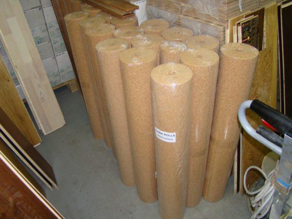 При покупке важно обратить внимание на целостность упаковки и условия хранения материала