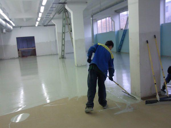 Заливка полиуретанового покрытия