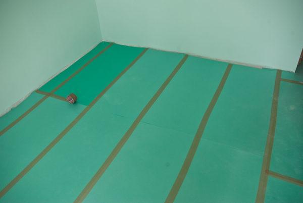 Подложка частично защитит ламинат от влаги