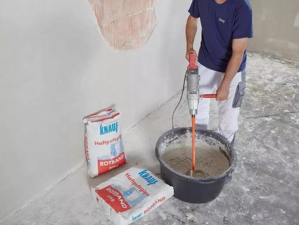 какими смесями штукатурить стены