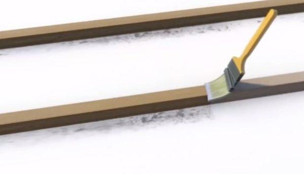 Деревянные элементы обрабатывают защитными составами