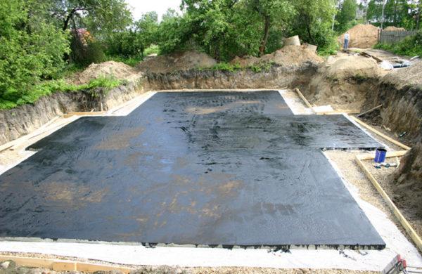Обмазочная гидроизоляция плитыОбмазочная гидроизоляция плиты