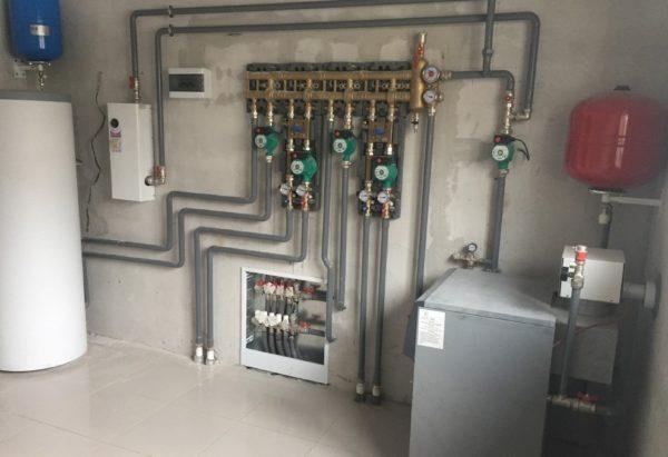 Система теплого водяного пола подключается к котлу и не зависит от подачи электроэнергии