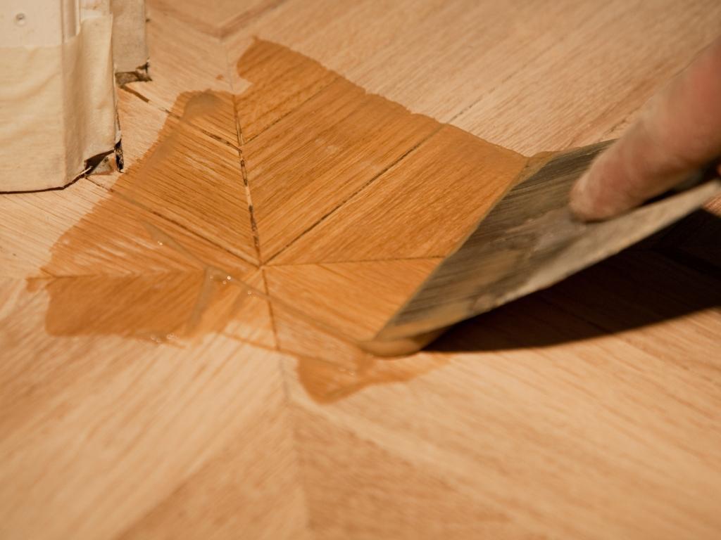 Шпаклевка для деревянного пола какую выбрать и как нанести