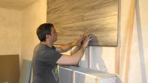 Как положить ламинат на стену
