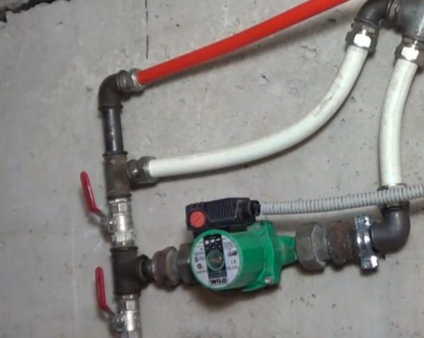 Помимо того, верхний кран позволяет включить тёплый пол в режим быстрого нагрева