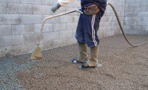 Шаг 6. Проливка цементным молочком