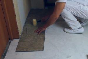 Шаг 8 – соединение торцов плиток первого ряда