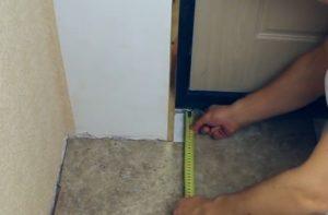 Шаг 10 – замер участка для врезки элемента