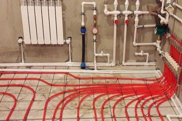 Водяной теплый пол чаще всего монтируется под плитку