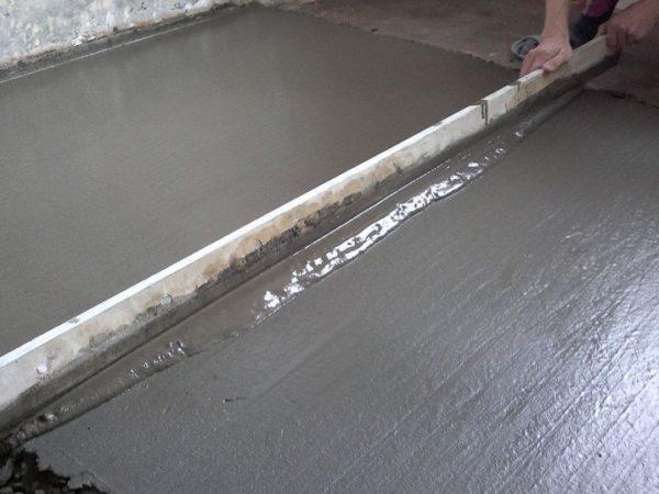 Сплошная стяжка из цементной смеси