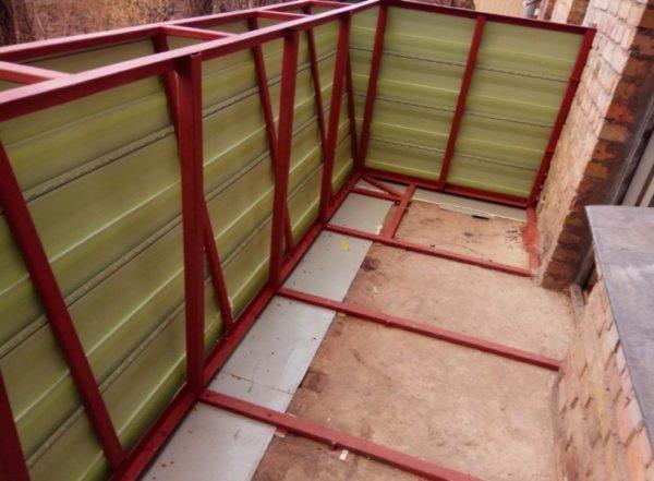 Увеличение консоли балкона за счёт металлической конструкции