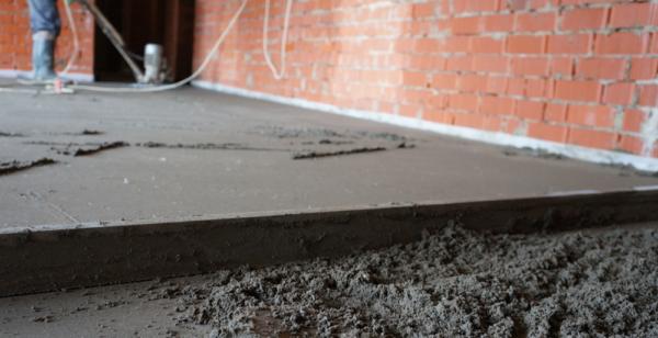 Песчано-цементная стяжка пола от 5 до 10 см