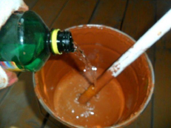 Разбавьте краску растворителем