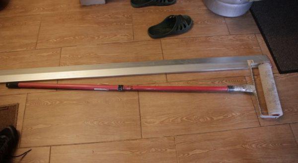 Фото игольчатого валика с телескопической ручкой