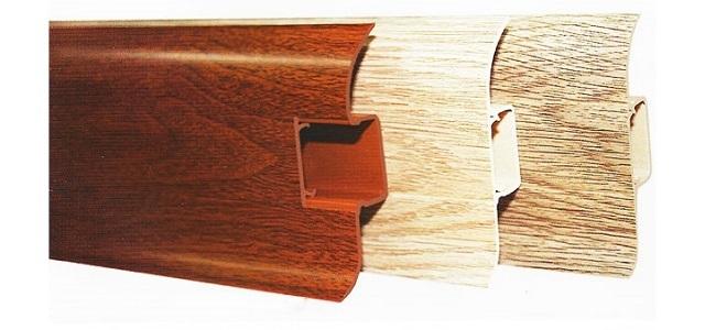 ПВЫХ-плинтусы с кабель-каналами и обычными планками-заглушками.