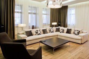 Ламинат в интерьере квартиры применение разноцветных оттенков