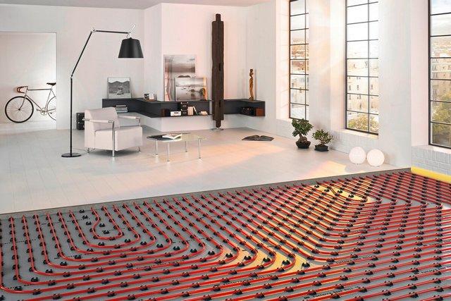 «Теплый пол» может полностью заменять обычную систему отопления, либо работать с ней «дуэтом», повышая уровень комфорта в помещениях.