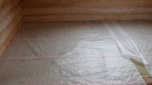 Укладка пленки под ламинат