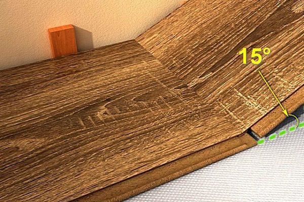 В данном примере для зацепления замковых частей досок требуется угол между ними в 15°