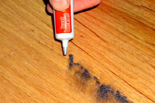 Вместо талька, можно применить графитный порошок, так как он также смягчает взаимное трение двух жестких предметов конструкции пола.
